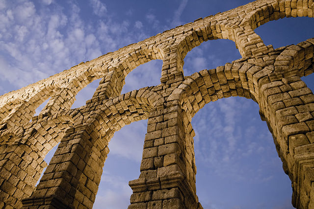 Davd Coral Gadea's photo of the Roman Aqueduct in Segovia, Span, Wikimedia Commons Picture of the Day for 22 January 2012.