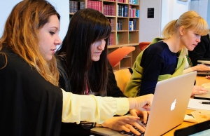 Participants in the Wikimedia Sverige fashion editathon.