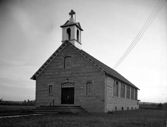 Église_Notre-Dame-des-Sept-Douleurs_Venosta_BAnQ_P174S4P245